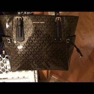 Michael Kors Brown Glossy Voyager Tote Bag 👜